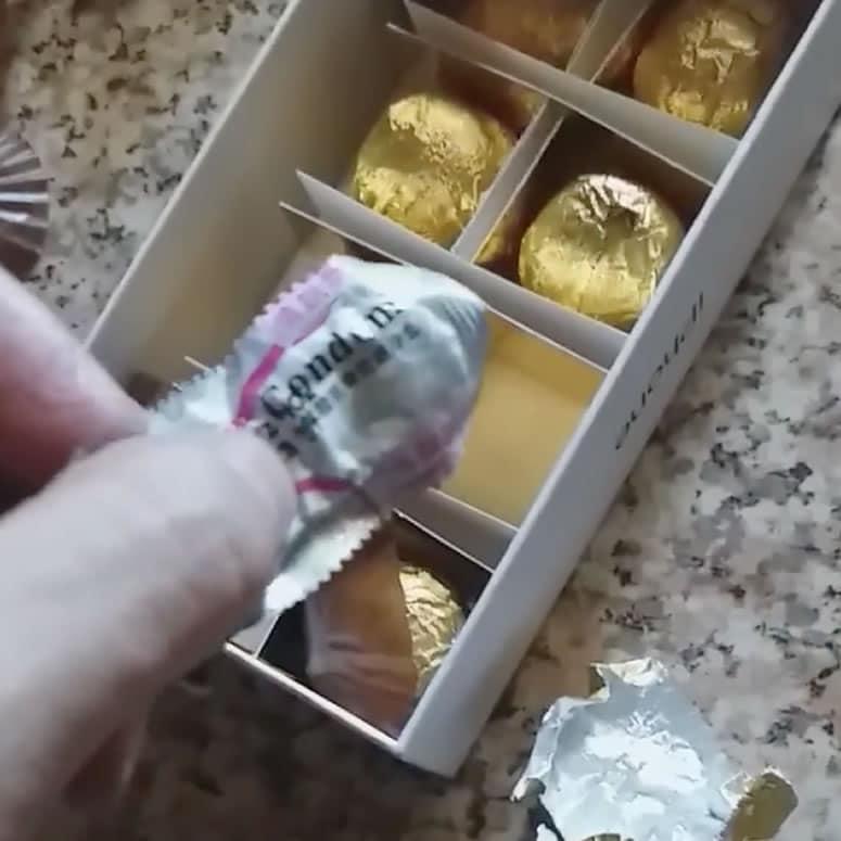 Ganó un iPhone Xs y en la caja venían chocolates que terminaron siendo condones.
