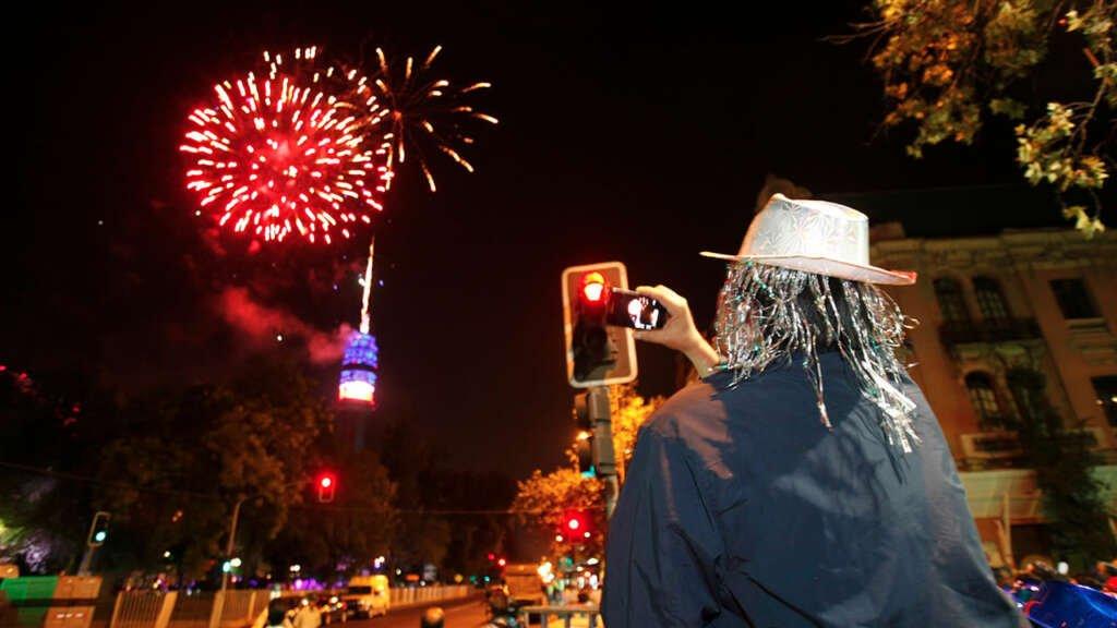 Compañía de telecomunicaciones Entel suspende espectáculo de año nuevo en Santiago.