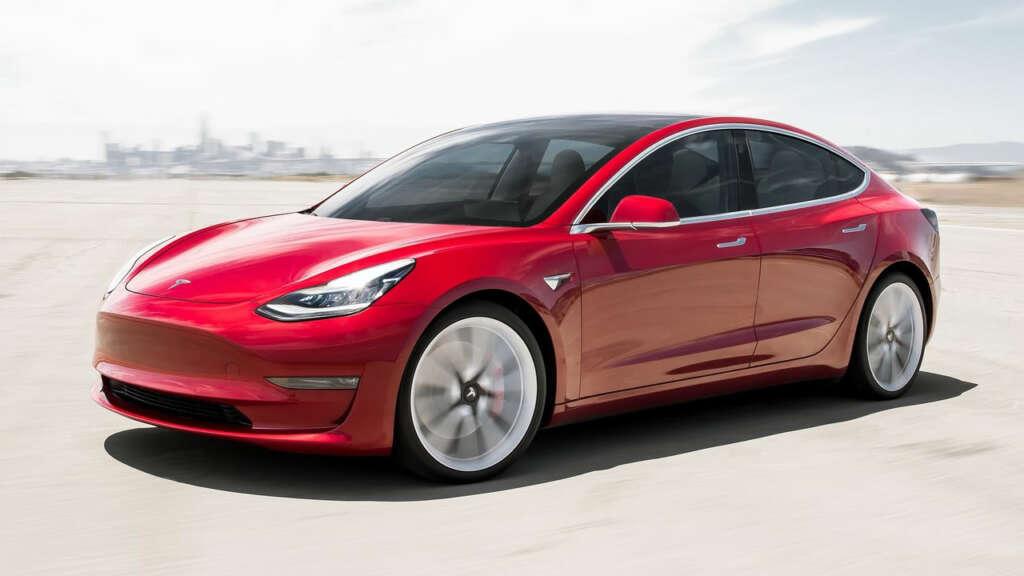 Probaron 6 autos eléctricos de distintas marcas para ver cuál cumplía más con su batería.