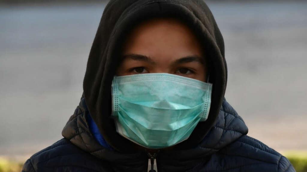 Las mascarillas quirúrgicas no te protegen del Coronavirus