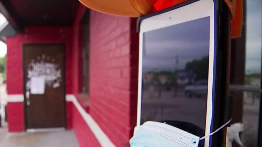 Restaurante entrega sus pedidos con un Jeep a control remoto y un iPad.