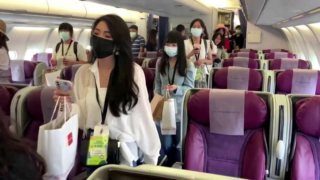 Aeropuerto taiwanés ofrece viajes al extranjero de mentira para los amantes de los vuelos.