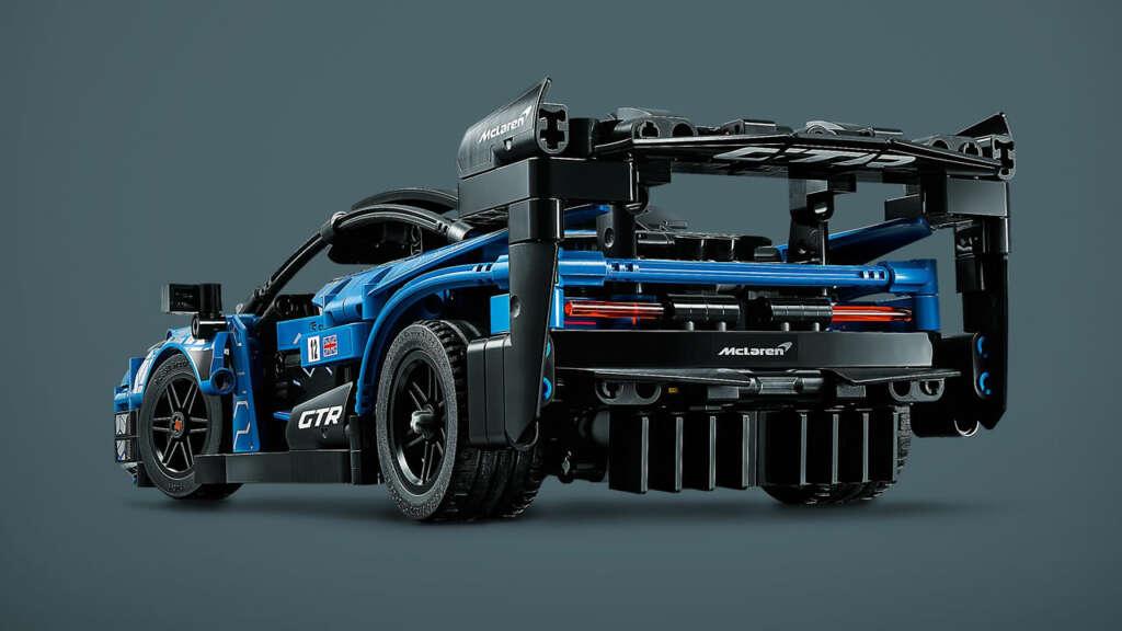 Lego presentó un modelo de 830 piezas de un McLaren Senna GTR.